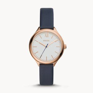 🌼 NWT Fossil navy leather watch